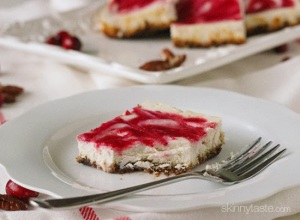 cranberry-swirl-cheesecake